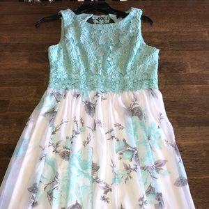 Speechless Lace and floral Chiffon Dress Size 7